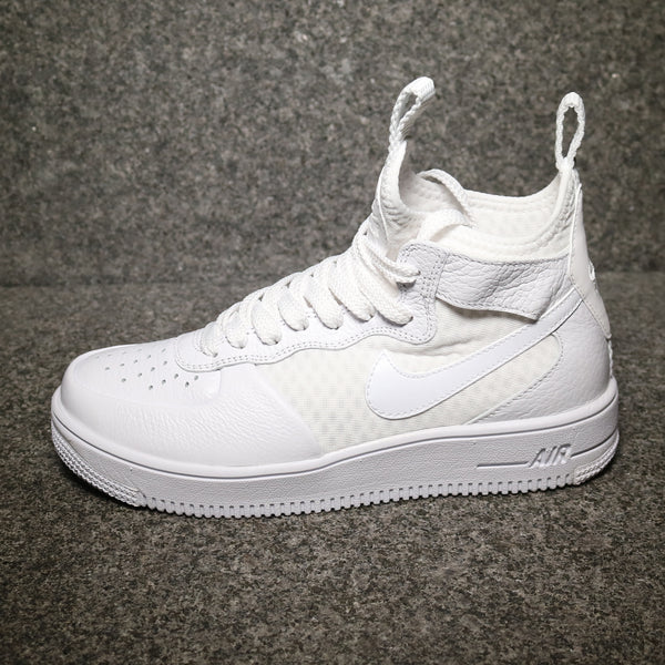 Side view of Women's Air Force 1 Ultraforce Mid White White