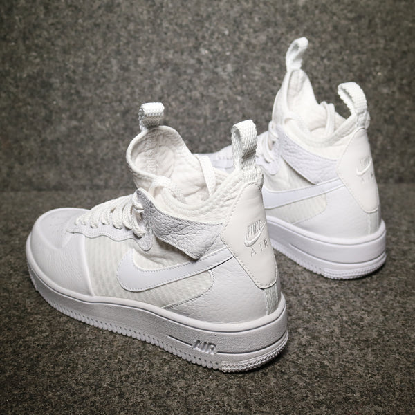 Rear view of Women's Air Force 1 Ultraforce Mid White White