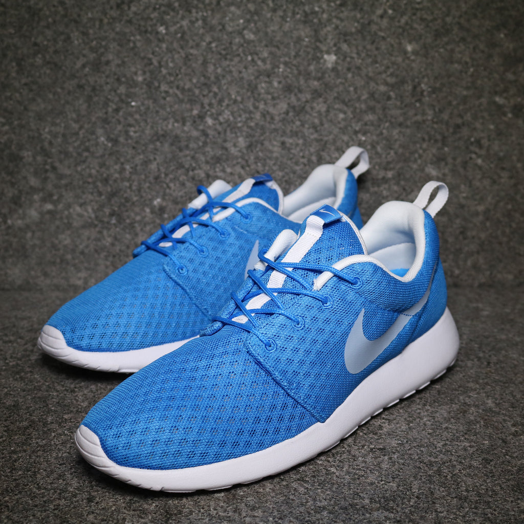Off Centre View of the Roshe One Hyperfuse Breeze Photo Blue White at Solemate Sneakers Sydney