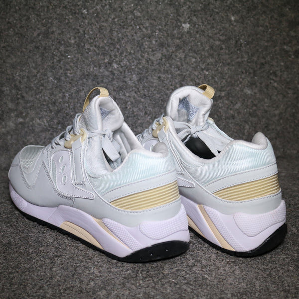 Grid 9000 Cream Off White