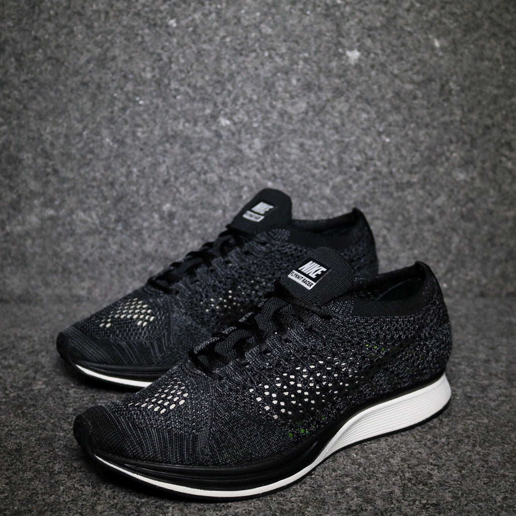 off centre nike flyknit racer blackout 526628-005