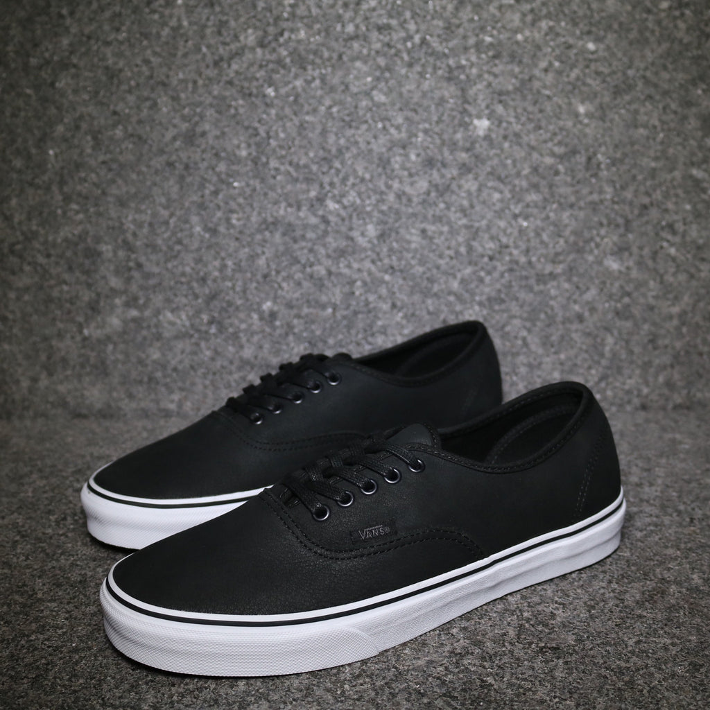 3415250af516 vans authentic white leather   Come and stroll!