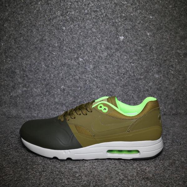 5437bc29f9c8 Side View of the Air Max 1 Ultra 2.0 SE Cargo Khaki Militia Green at  Solemate ...