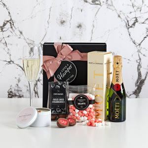 Champagne and Strawberries Gift Hamper