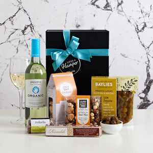 Drop of Organic White Wine is a great gift hamper for organic white wine lovers. It comes with Angove Sauignon Blanc, Salute Olives, Caramel fudge and a bag of macadamia nuts.