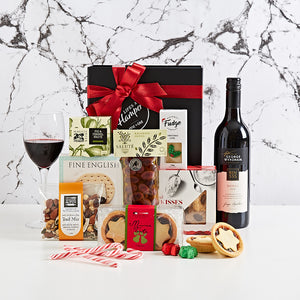 Festive Treats with Bin 555 comes with a delicious assortment of christmas products. A great corporate Christmas gift hamper.