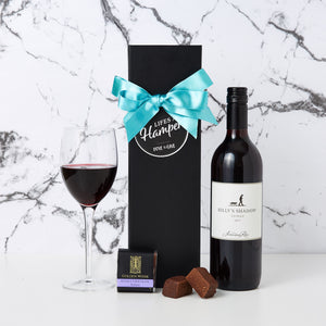 Celebrate with Shiraz Hamper comes in our signature magnetic box, a bottle of Billy's Shadow Shiraz and a creamy chocolate fudge.
