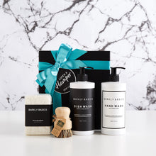 Load image into Gallery viewer, Luxury Kitchen Settlement Hamper makes the perfect housewarming gift idea. It comes with a dish wash, hand wash, sponges and veggie brush.