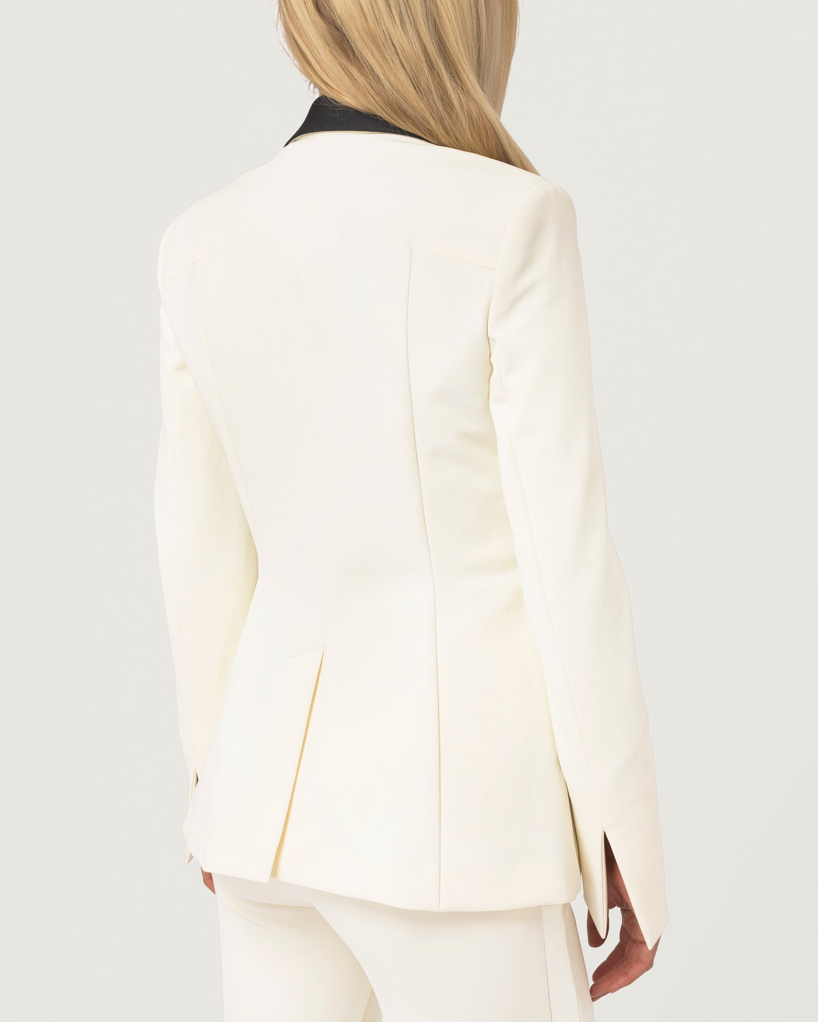 Tux Trail Blazer Ivory - Limited Edition