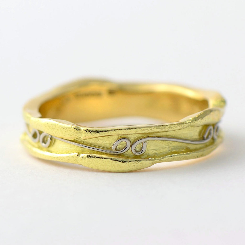 18ct gold band