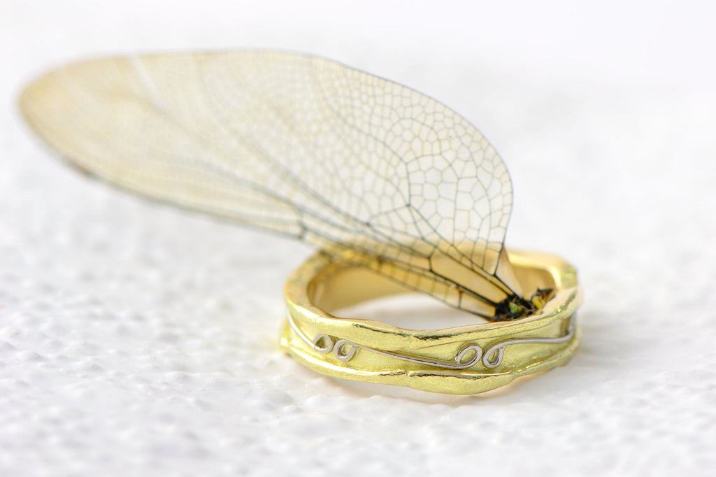 Raw unique textured ring band in 18ct fairtrade gold - 5 mm wide band - beetles textured rings