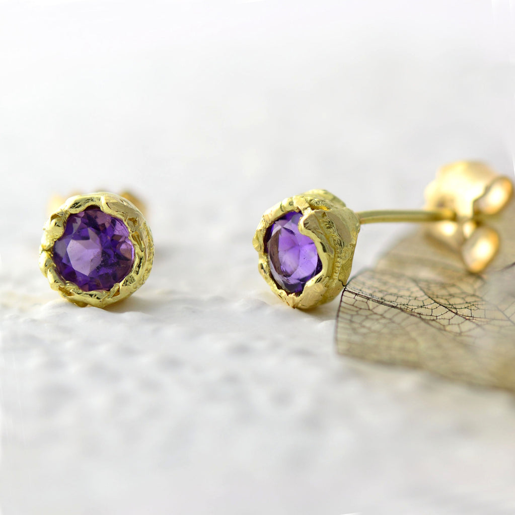 18ct fair trade yellow gold stud earrings with a 4.5 mm gemstone