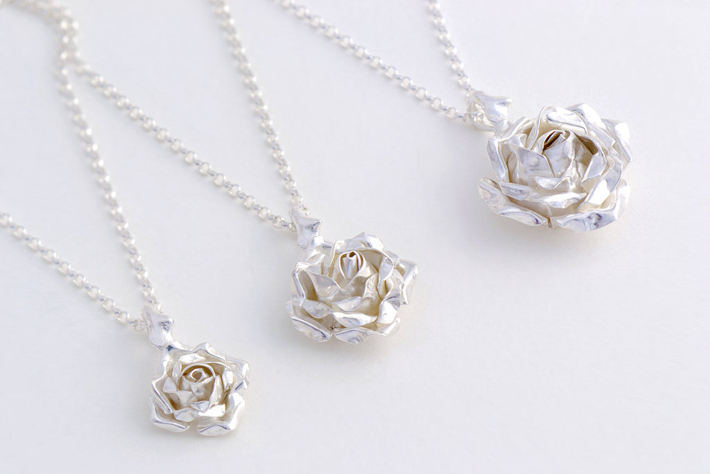 different sizes of rose pendant