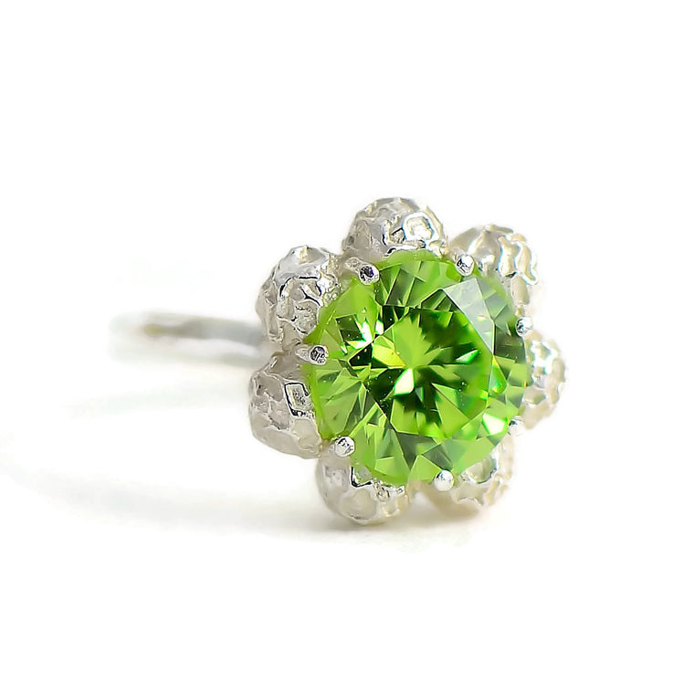 flower design ring, large gemstone, peridot