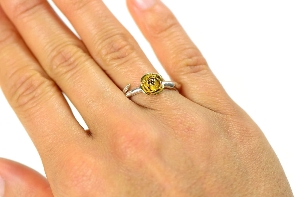 18 carats yellow eco-gold rose ring with silver band