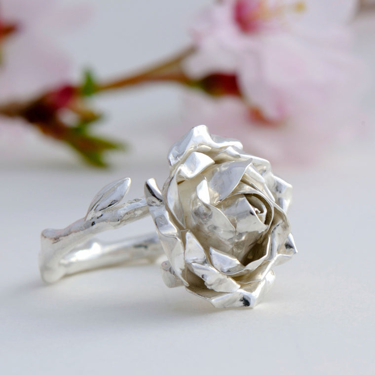 Large cocktail rose ring with a soft rose stem