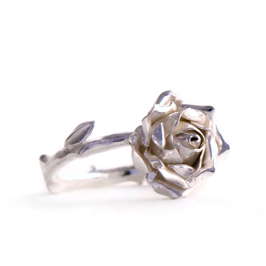 Silver rose ring - Medium rose ring with a twig stem band an leaves