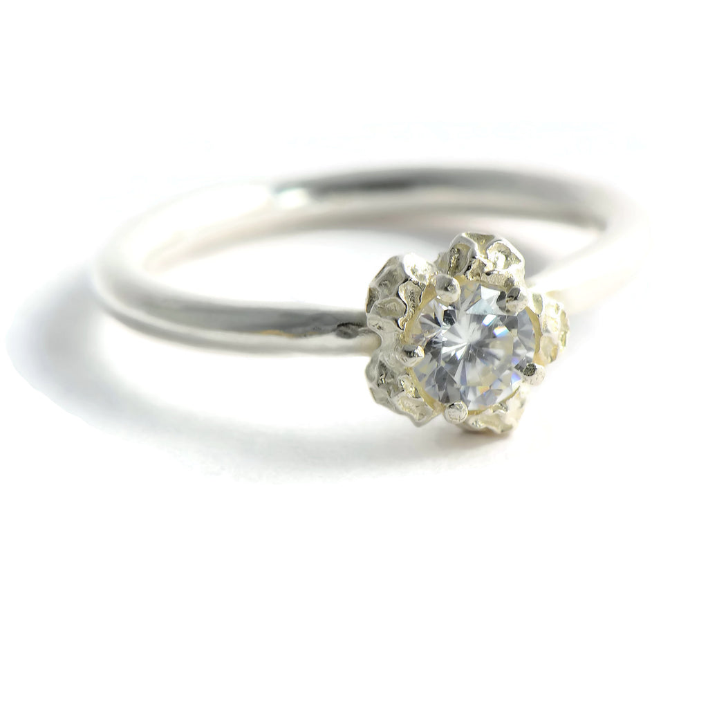 solitary CZ ring