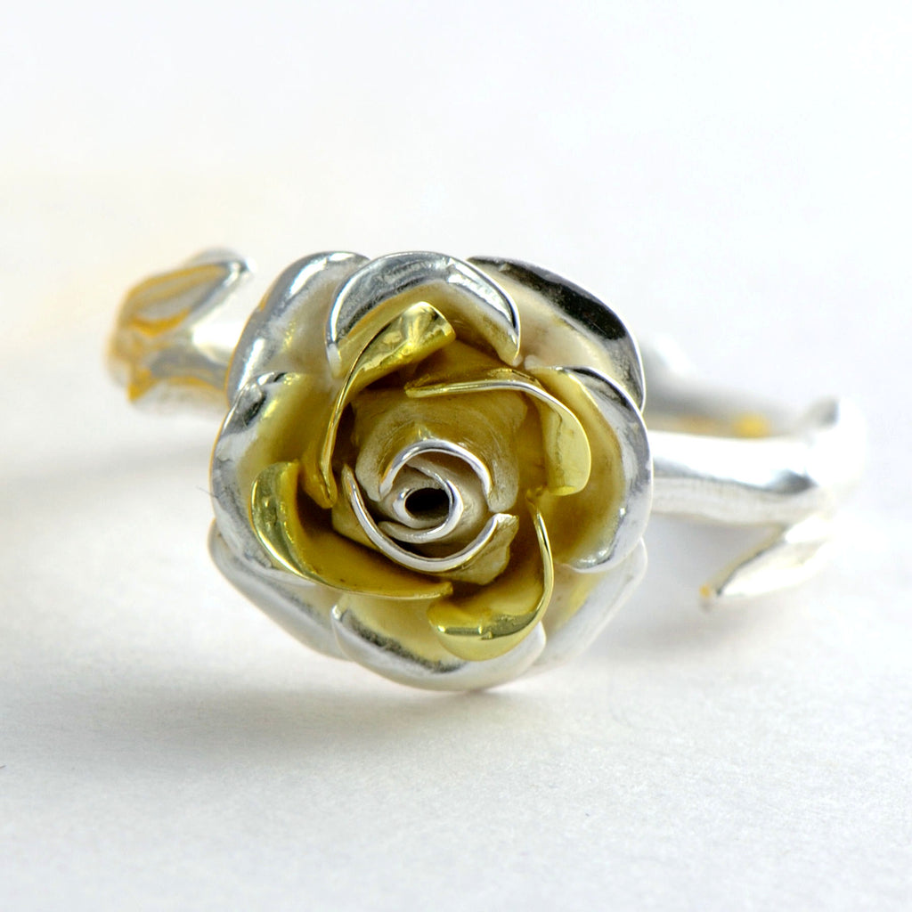 yellew gold and silver rose petals
