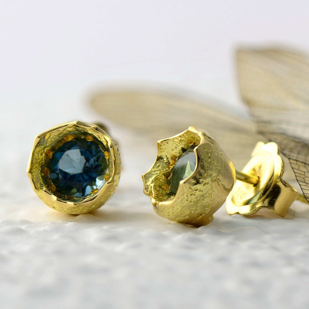 18ct yellow gold and blue topaz stud earrings
