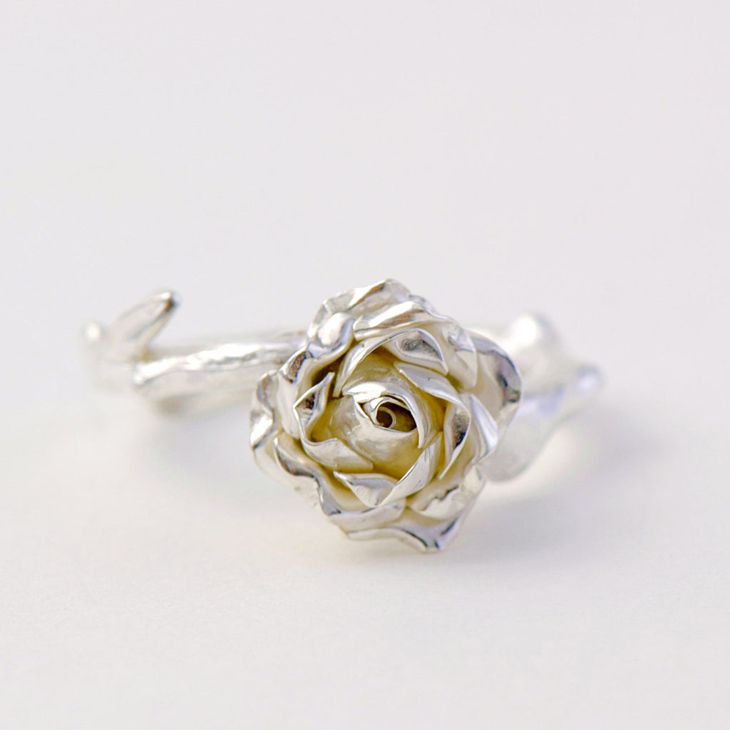 solitaire  rose ring