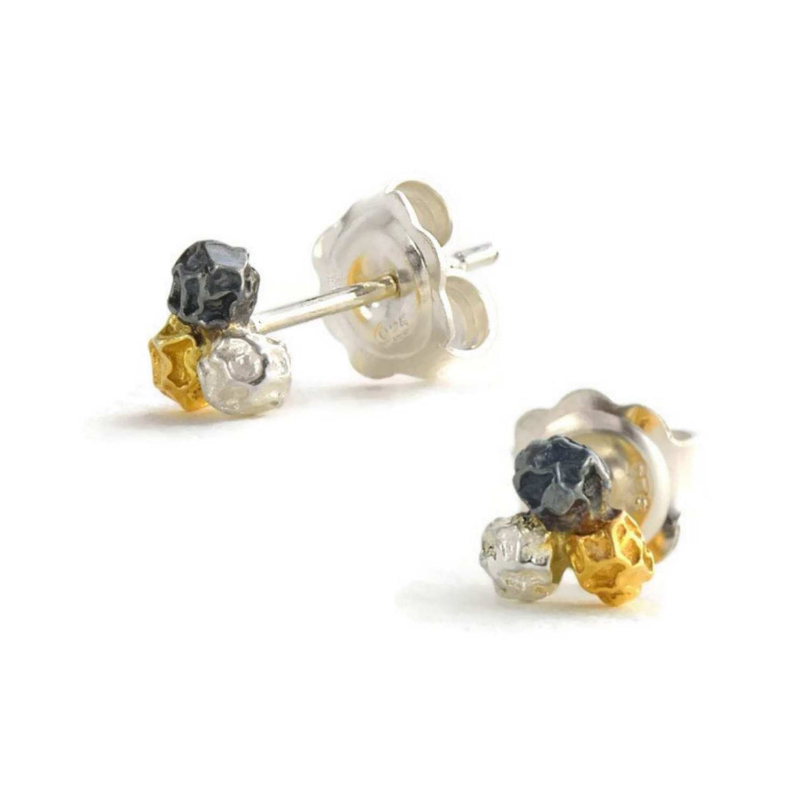 A silver three colours peppercorn stud earrings