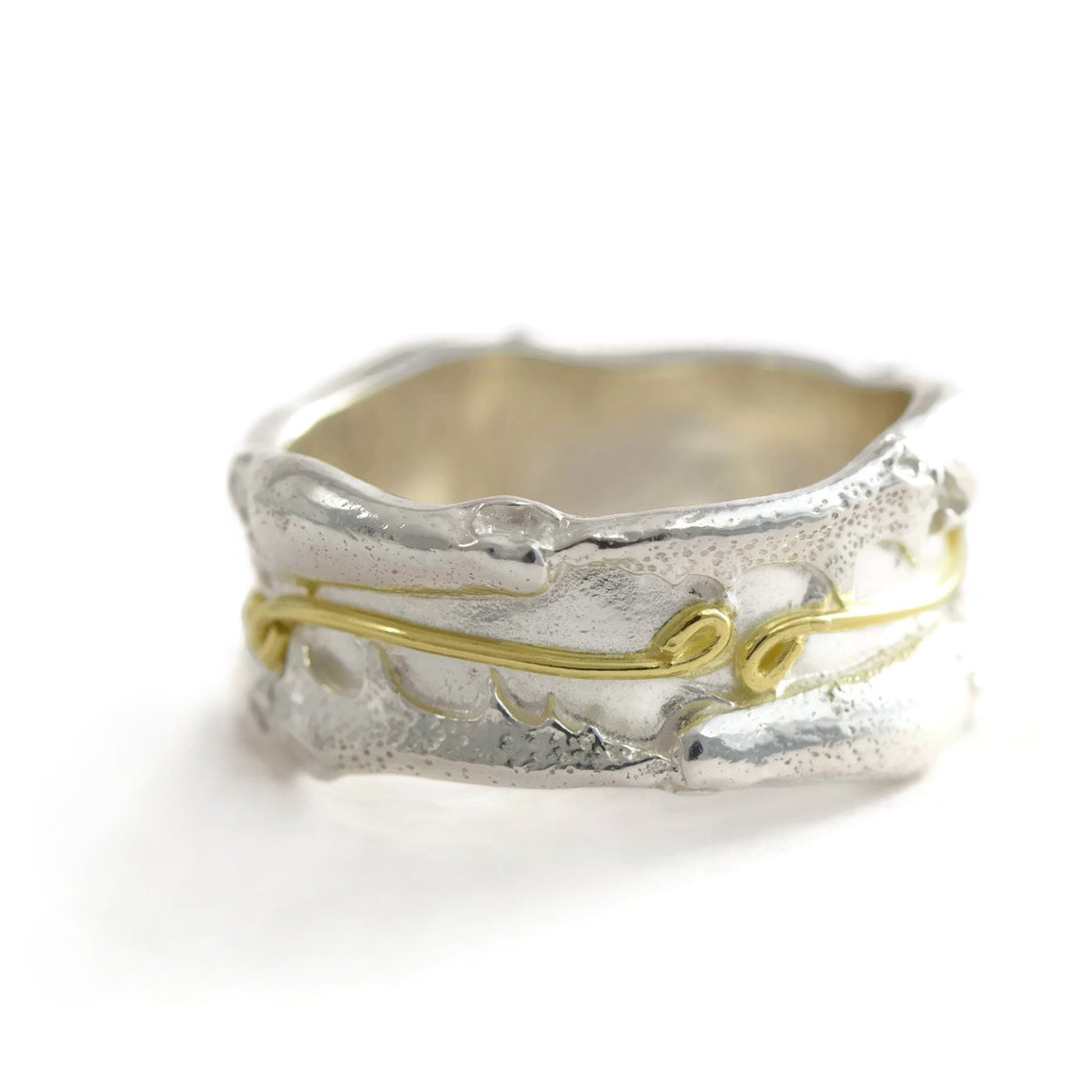 18ct gold and silver textured ring band, decorated with infinity symbols, 10 mm wide.