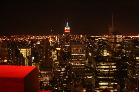 Rainbow room famous rooftop restaurant reopens for Top of the rock new york restaurant