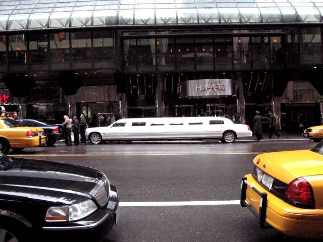 SERVICE – Limousine transfer for arrival or departure