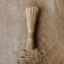 Shaker Whisk Broom