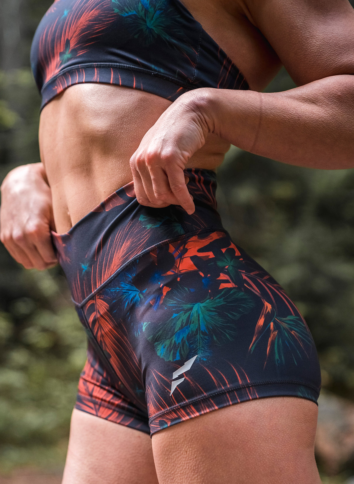 FNF VIVID COMPRESSION SHORTS - FLORAL