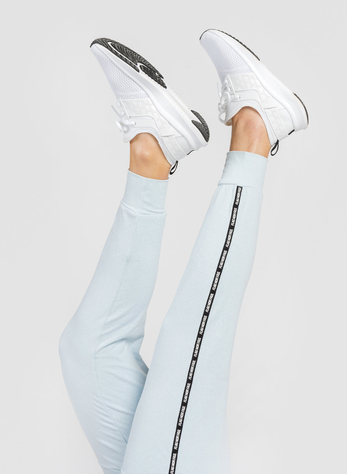 WOMEN'S JOGGER - BABY BLUE