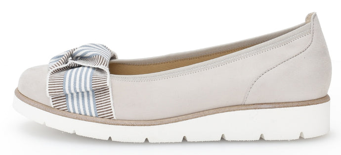 44.141.12 Ladies Ballet Flatform Pumps for sale online ireland vanilla