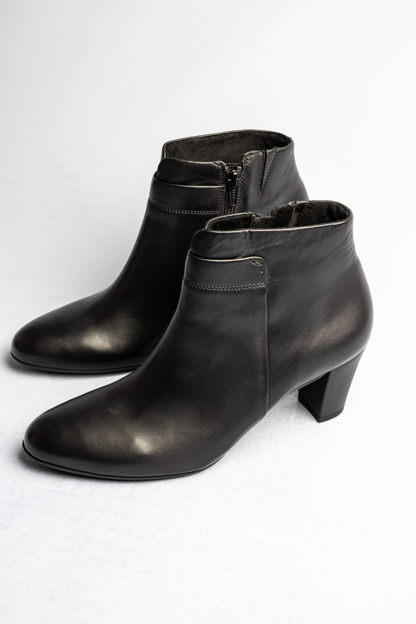 Gabor 52.961 | Front Slit Ankle Boot