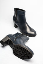 Load image into Gallery viewer, Gabor 56.591 | Hidden Elastic Leather Ankle Boot