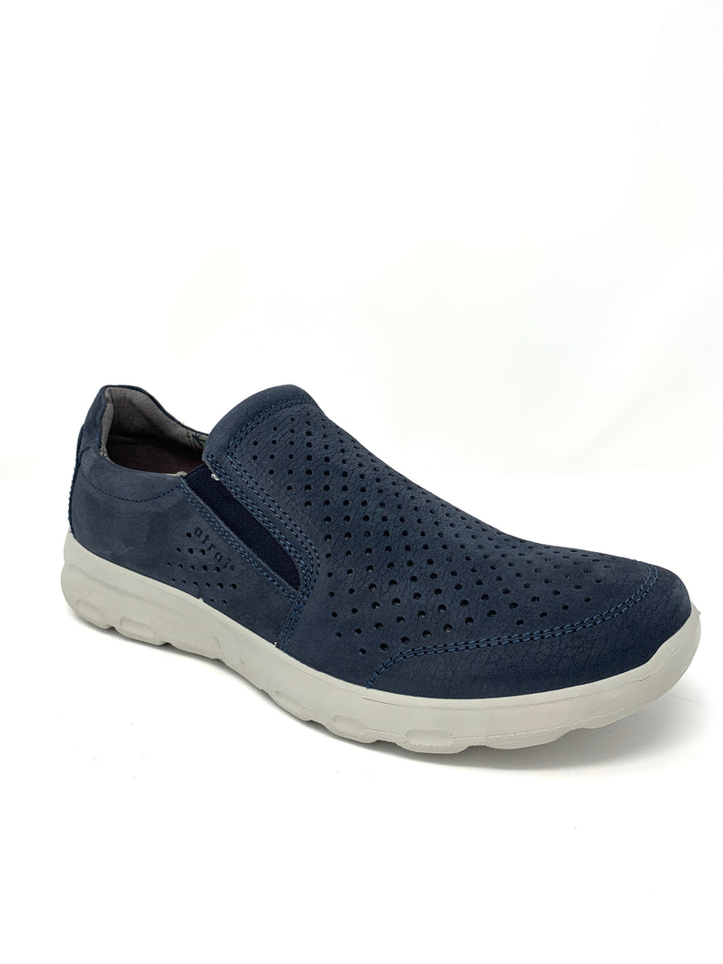 Leather Walking Shoe with Punched Upper Detailing