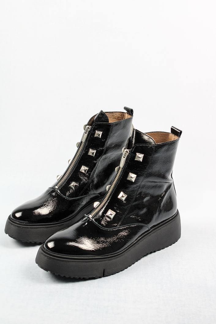 C-9301 Wonders Black Leather Stud Ankle Boots for sale online ireland