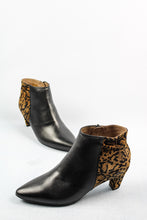 Load image into Gallery viewer, C-8402 Wonders Leather Black and Leopard Ankle Boots for sale online ireland