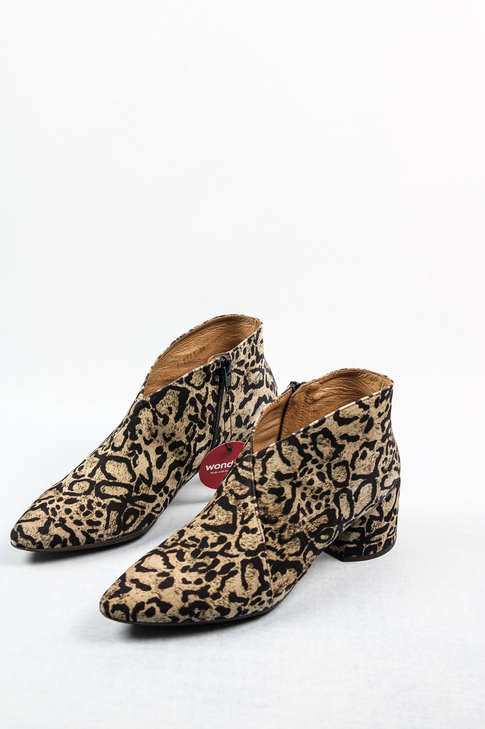 C-8021 Wonders Leopard Print Ankle Boots for sale online ireland