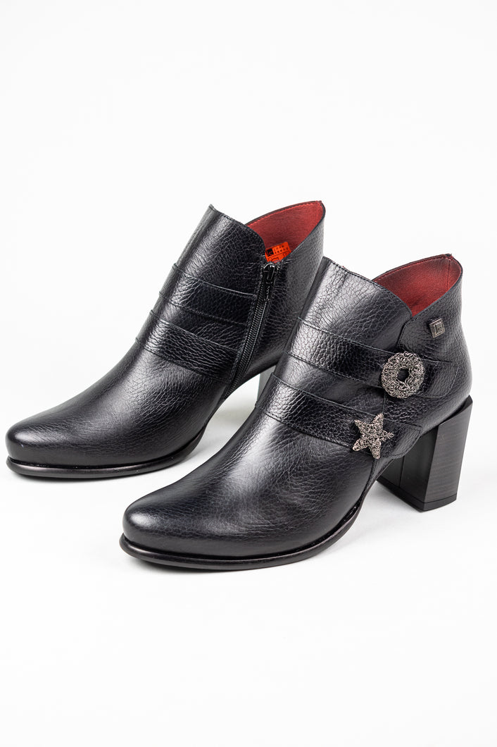 7202 Jose Saenz Black Ankle Boot for sale online ireland