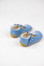 Load image into Gallery viewer, Clarks Girls Prewalker Shoe Tiny Flower Toddler mid blue for sale online Ireland