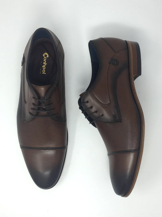Stylish Mens Brogues with Fine Punched Detailing
