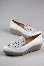 Load image into Gallery viewer, Wonders Platform Slip On Shoes C33205 Off White for sale online Ireland
