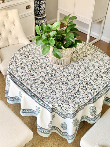 Blue Iris 4-seater Square Tablecloth