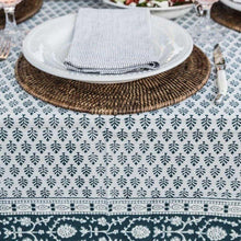 Load image into Gallery viewer, elegant tablecloth