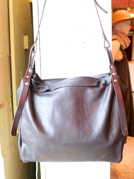 Dean B29 Steel Thimble Bag in Brown Leather