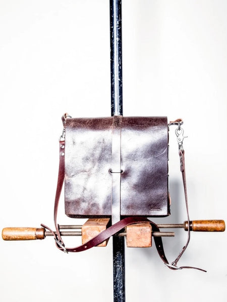 Dean UB03 Towner Bag in Distressed Silver Leather
