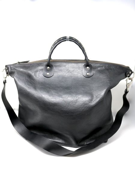 Dean UB07 Studded Handle Railway Bag in Black Leather
