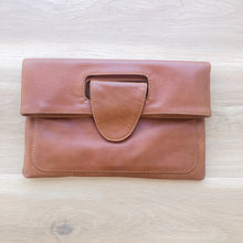 Load image into Gallery viewer, Classic Clutch in Vintage Tan
