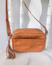Load image into Gallery viewer, Small Shoulder Leather Bag in Vintage Tan